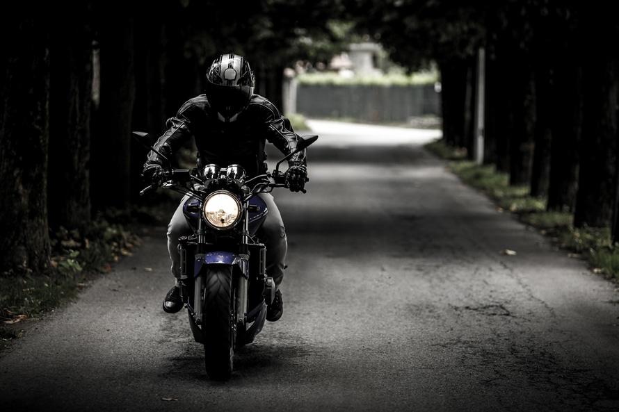 Motocyklisto - szanuj swoje życie i zdrowie