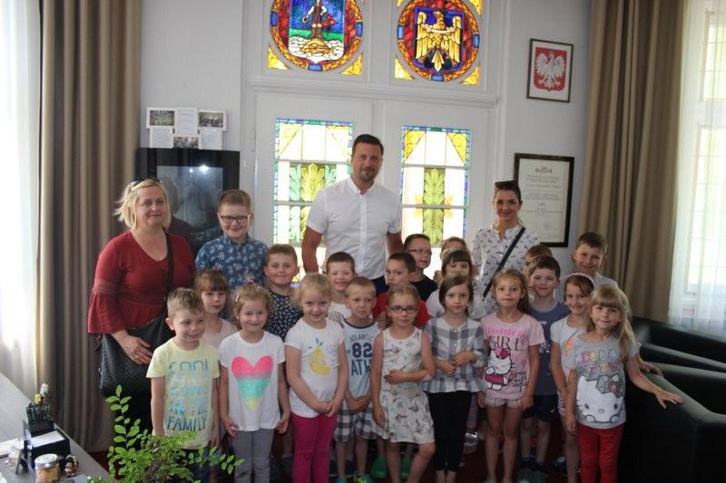 Przedszkolaki w Ratuszu
