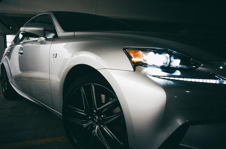 Leasing, kredyt samochodowy czy kredyt gotówkowy - jak sfinansować zakup pojazdu?