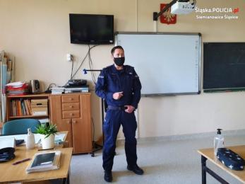 Aby wakacje były bezpieczne - policjanci odwiedzili podstawówki